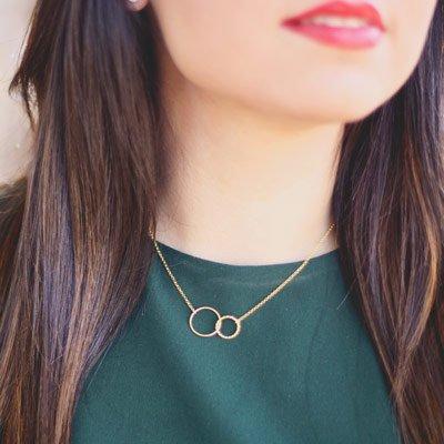 cadena con colgante trenzado oro