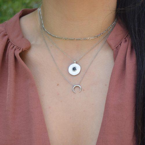 collar circonita negra, cuerno y estrellitas en plata