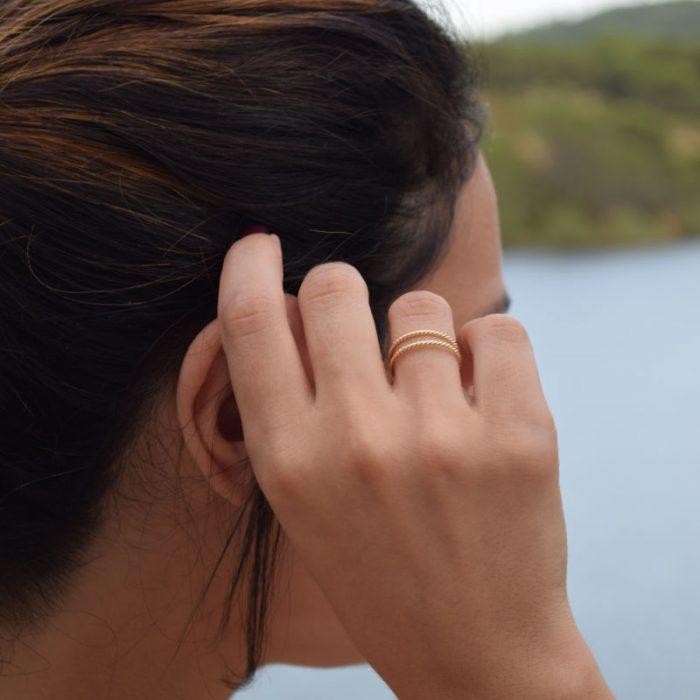 anillo doble trenzado oro